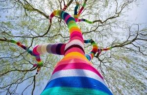 11 yarn-bombing2