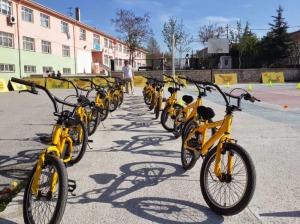 9 sarı bisiklet