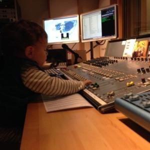 99-dunyayi degistir-dinleyici-destek-projesi-acik radyo