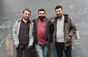 Meluses (Maruf Kibar, Arif Kara ve Koray Çelik) az sonra canlı yayın stüdyomuzda olacak, Hemşince şarkılar söyleyecek.