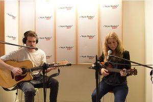 13. Açık Radyo Günleri Dinleyici destek Projesi Özel Yayını 7. gününün son canlı müzik performansında Nil İpek stüdyoda.