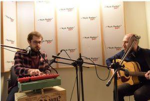 İstanbul güncel rock sahnesinin tanınmış isimlerinden 'Biz' stüdyoda. (Ozan Tekin ve Mehmet Güren)