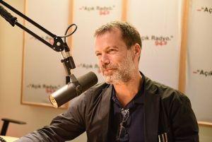 Açık Radyo dinleyicisi ve destekçimiz Mehmet Kütükçüoğlu stüdyo konuğumuz.
