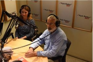 Dinleyimiz ve destekçimiz Filiz Öztürk ve Haluk Çalışır canlı yayın stüdyosunda.
